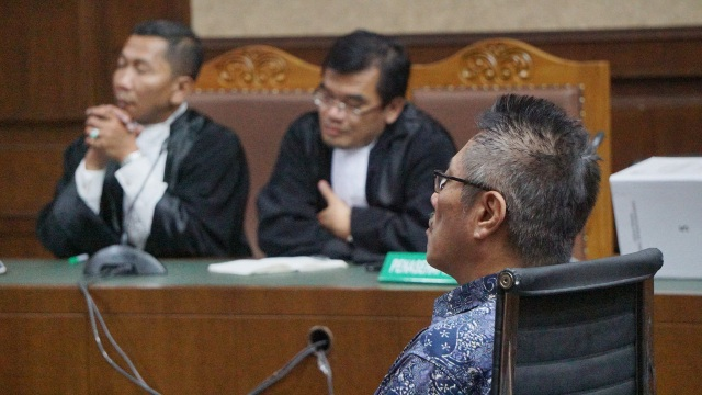 Sidang vonis Donny Witono