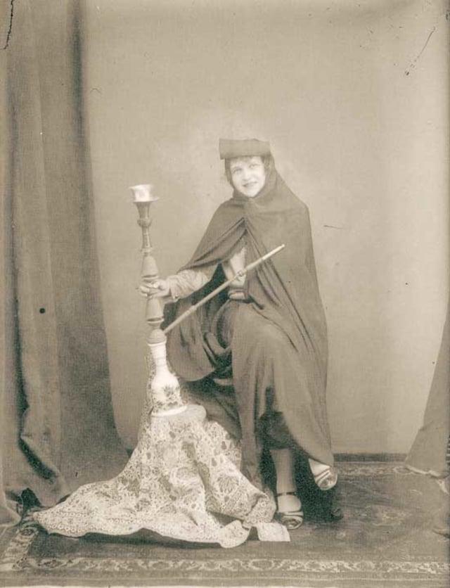 Perempuan Iran tahun 1900
