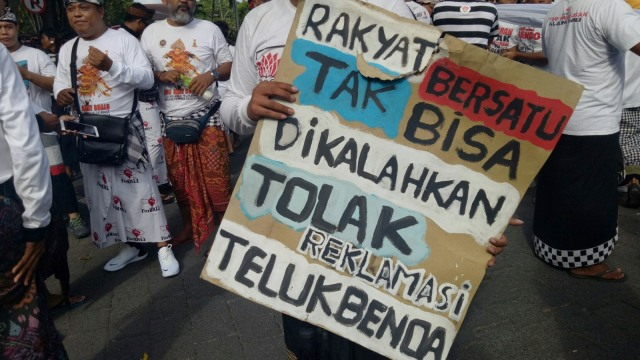 Aksi tolak reklamasi Teluk Benoa