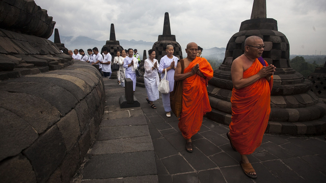 Waisak, Menag Ajak Rekatkan Tali Persaudaraan dan Sukseskan Restorasi Borobudur (46343)