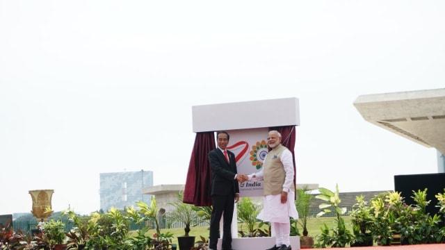 PM India Narendra Modi dan Presiden Jokowi