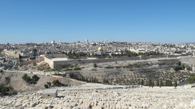 Masjid Al-Aqsa hingga Bukit Zaitun, 5 Wisata yang Menarik di Yerusalem (353121)