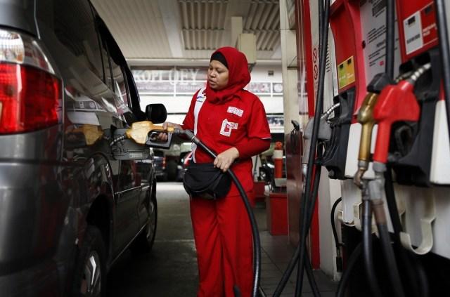 Maju kena, mundur kena: Indonesia di tengah gejolak harga minyak dunia (8808)