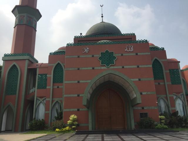 Cerita Pengurus Masjid 'Lorong Waktu' Diajak Syuting Jadi Figuran (898850)