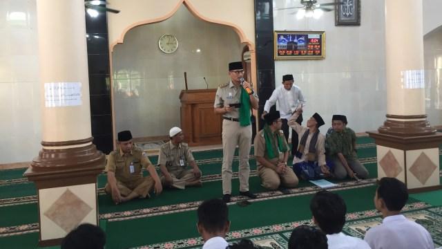 Sandi di Masjid Al Ikhsan Pulau Untung Jawa
