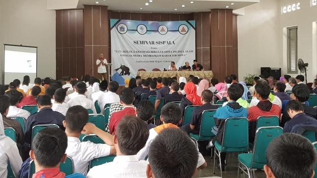 Seminar SISPALA di SMKN 1 Jakarta