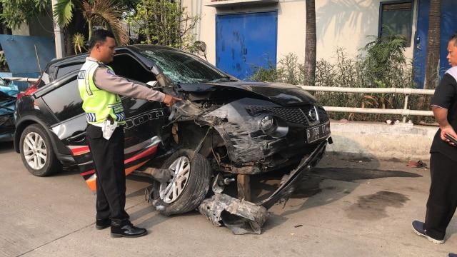 Mobil Anisa Bahar