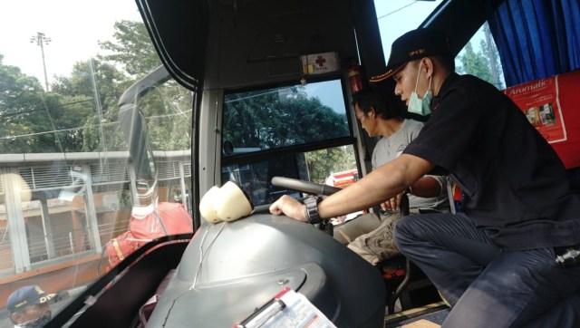 Selain Pedal Rem, Fitur Ini Jadi Andalan Sopir Bus dan Truk di Turunan, Apa Itu? (534695)