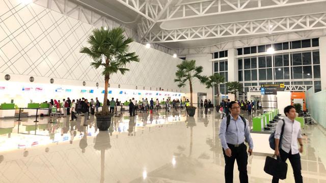 Suasana Terminal Baru Bandara Ahmad Yani di Hari Pertama Beroperasi (188589)