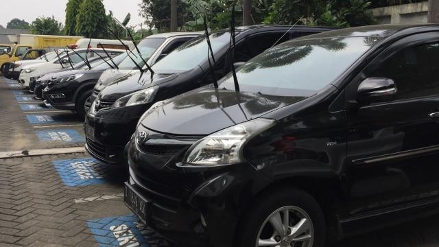 Wabah Virus Corona Pukul Bisnis Rental Mobil di Indonesia (301114)