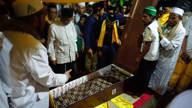 Pemakaman cucu terakhir Sultan Aceh