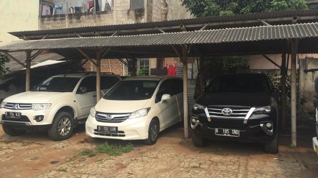 Wabah Virus Corona Pukul Bisnis Rental Mobil di Indonesia (301115)