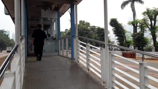 Halte Transjakarta Al Azhar baru