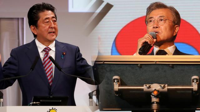Shinzo Abe dan Moon Jae-in.