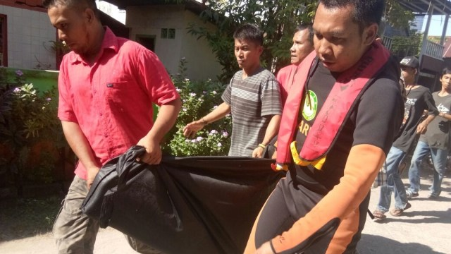 Korban Kapal KM Arista Tenggelam di Makassar