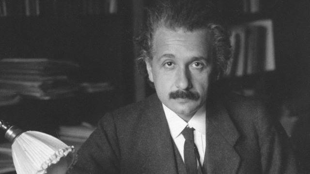 'Surat Tuhan' Einstein Laku Terjual Rp 42 Miliar di New York (342020)