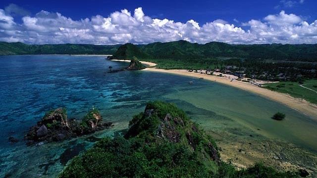 Image result for pantai tanjung aan lombok