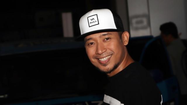 Kilas Balik Denny Cagur, Tukang Combro yang Jadi Presenter Ternama (324267)