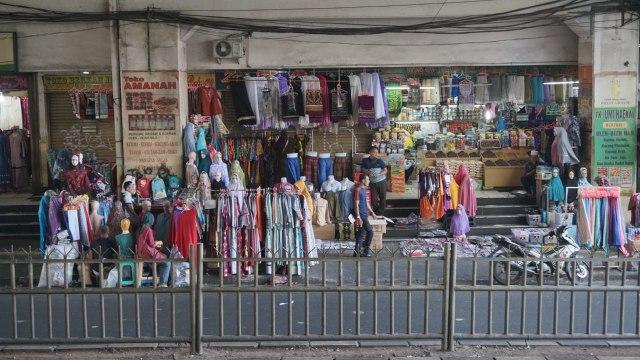 Image result for Pasar Tanah Abang Masih Sepi