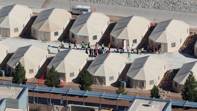 Penampungan Anak Imigran Ilegal di AS