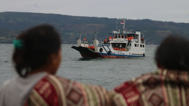 Pastikan Keselamatan, Otoritas Danau Toba Awasi Kapasitas Kapal (2647)
