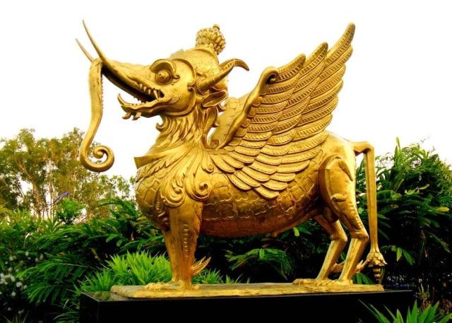 Satwa Mitologi Lambang Kerajaan Kutai Kartanegara 'Lembuswana' (61605)