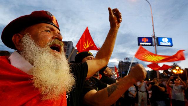 Warga Makedonia Demo Menentang Rencana Ganti Nama Negara (13697)