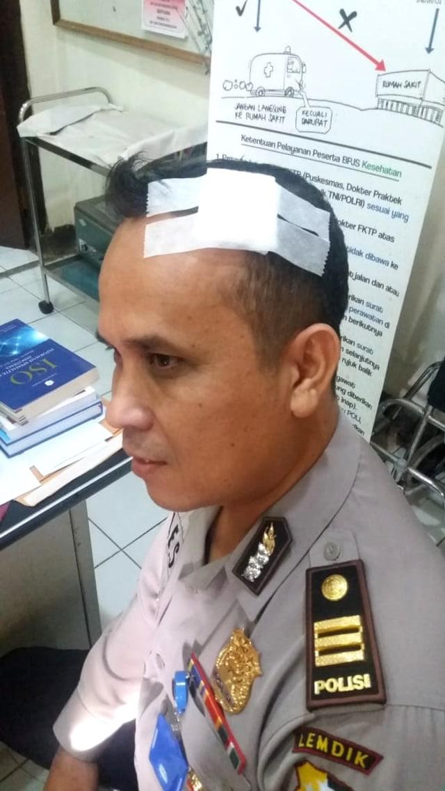 Perwira Polisi Berpangkat Kombes Pukul 7 Anak Buahnya Pakai Helm (3941)