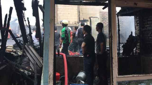 100 Rumah Hangus Akibat Kebakaran di Johar Baru (31350)