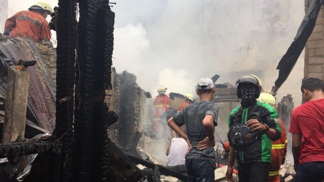 100 Rumah Hangus Akibat Kebakaran di Johar Baru (31349)