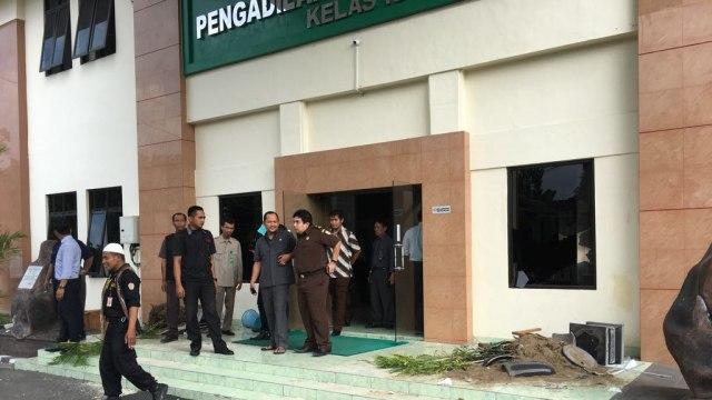 Kantor PN Bantul dirusak sejumlah orang.