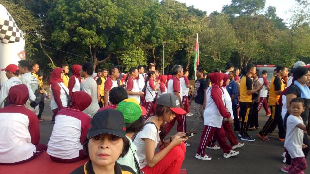 Polri Gelar Jalan Santai Peringati Hari Ulang Tahun ke-72 Bhayangkara (25)