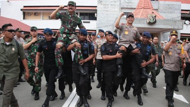 Kapolri dan Panglima di ujung timur Indonesia
