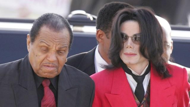Joe Jackson dan Michael Jackson.