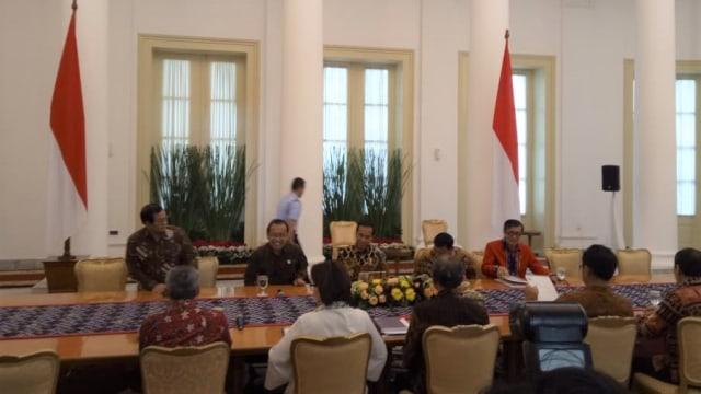 Pimpinan KPK dan Presiden Jokowi di Istana Bogor