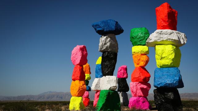 Seven Magic Mountains, Tumpukan Batu Warna-warni Instagramable di AS (216037)