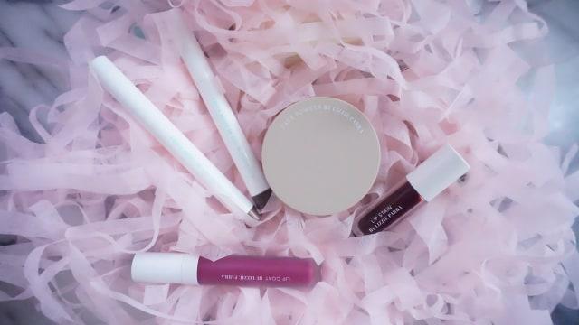 Ikuti Giveaway The Expert: Lizzie Parra Berhadiah Makeup Rp 500 Ribu! (67)