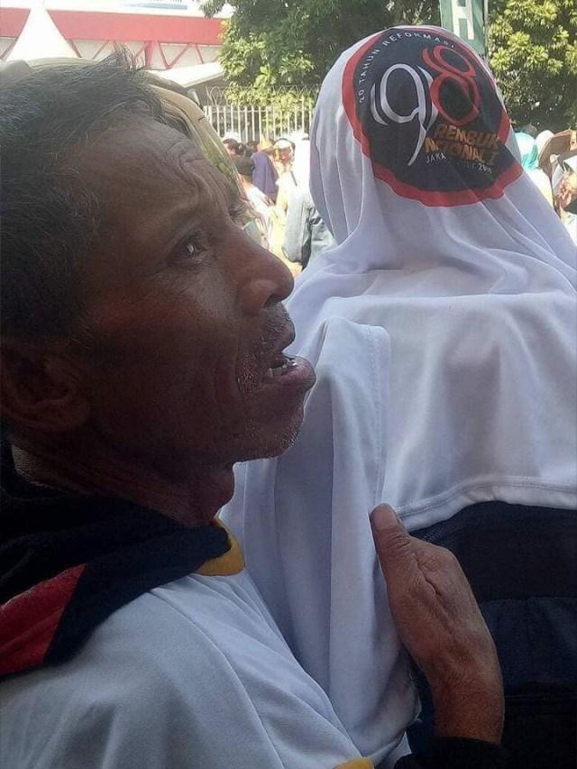 Demi Rp 100 Ribu dan Ketemu Jokowi, Lansia Ini Ikut Rembuk Aktivis '98 (378650)