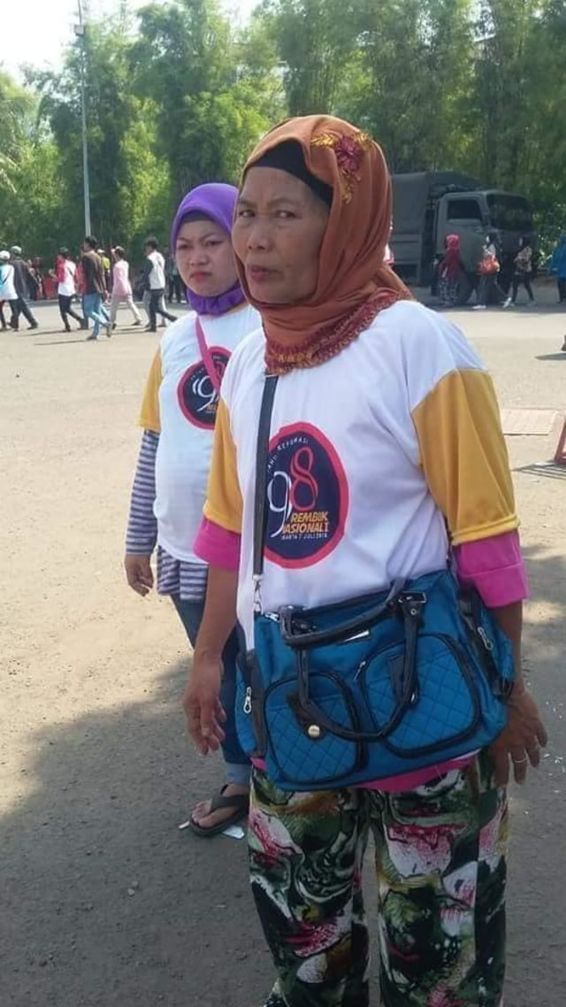 Demi Rp 100 Ribu dan Ketemu Jokowi, Lansia Ini Ikut Rembuk Aktivis '98 (378649)