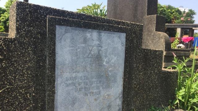 Mengunjungi Makam Yahudi di Petamburan  (76530)