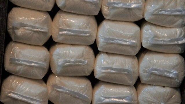 Gula putih kiloan