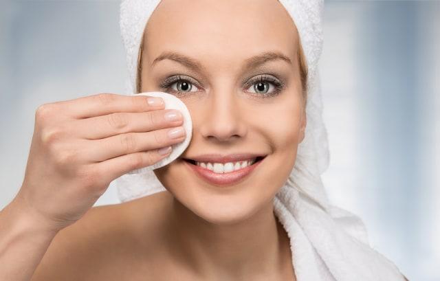 5 Langkah Ramah Lingkungan untuk Manfaatkan Kemasan Bekas Makeup  (319042)