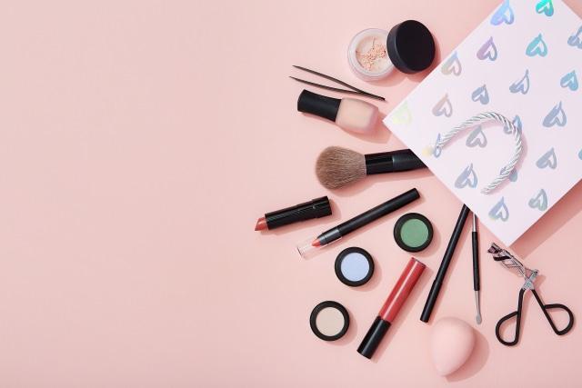5 Langkah Ramah Lingkungan untuk Manfaatkan Kemasan Bekas Makeup  (319036)