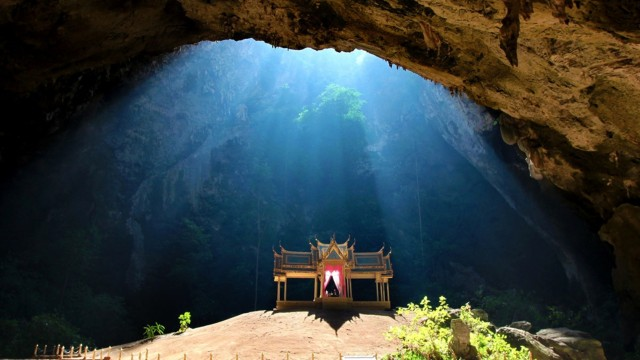 Menantang Adrenalin Demi Bertemu Gua Phraya Nakhon di Thailand (180099)