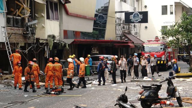 Polisi : 11 Ruko Rusak karena Ledakan Tabung Gas di Jaksel (97071)