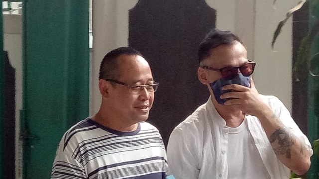 Tio Pakusadewo di Pengadilan Negeri Jakarta Selatan