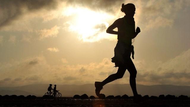 Ilustrasi lari, olahraga, hidup sehat, menjaga kesehatan
