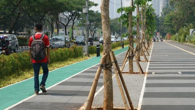 Trotoar di Jalan Gerbang Pemuda