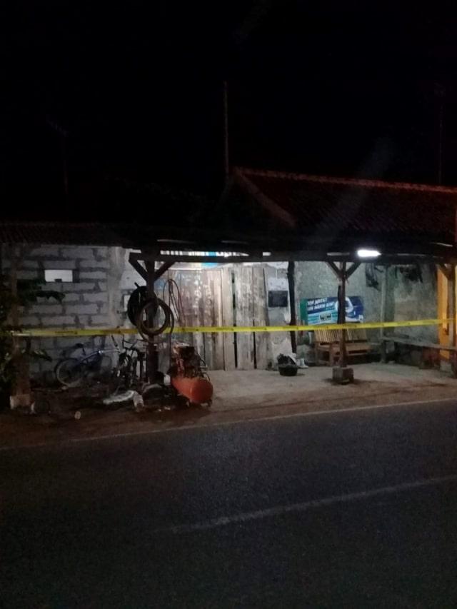 Penggerebekan terduga teroris Indramayu (NOT COV)