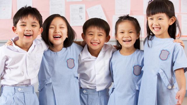 880 Koleksi Gambar Anak Sekolah Belajar HD